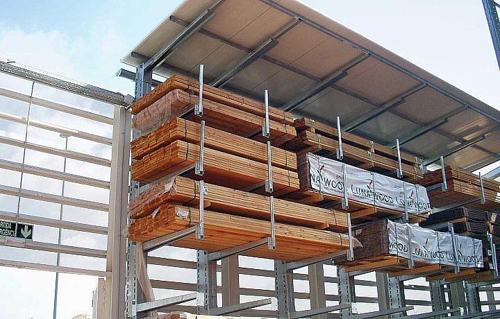 Kragarmregal für Holzlagerung